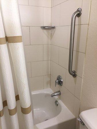 Melville, NY: Shower