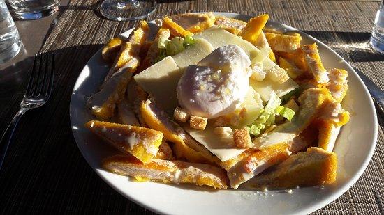 St-Laurent du Var, France: Salade chicken crunchy cesar