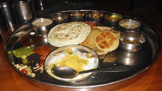 Sasuji : Gujrathi Thali