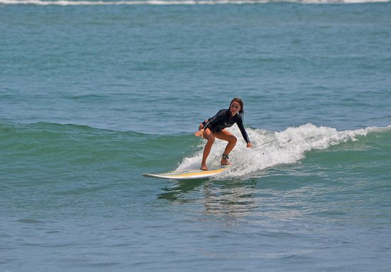 Dominical, Costa Rica : Gentle waves for the beginner/intermediate surfers