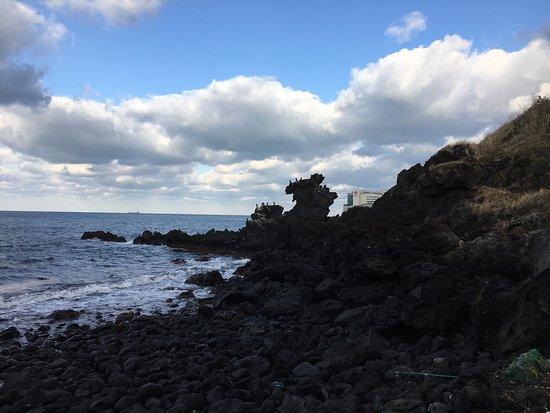 Yongduam Rock: photo0.jpg