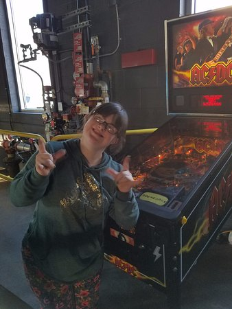 Waynesboro, VA: Fun Pinball, too