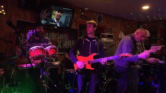 Moodus, CT: Jam Band