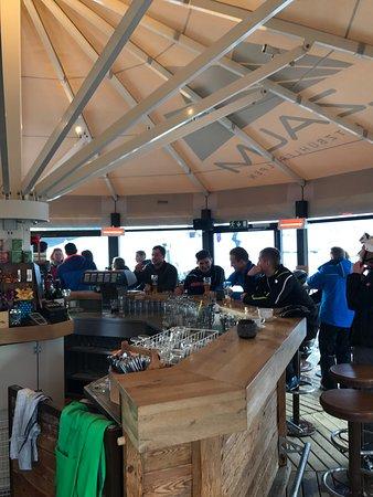 Brixen im Thale, Austria: De buiten bar overdekt