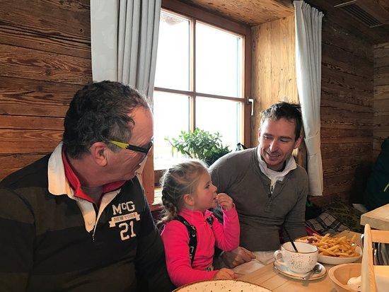 Brixen im Thale, Austria: Ook de patat smaakt goed in de Holzalm