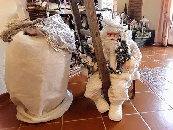 Cascina, อิตาลี: Parte dell'addobbo natalizio
