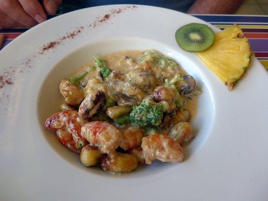 Terre-de-Haut, Guadeloupe: Gnocchi crevettes champignons brocoli dans une sauce extra