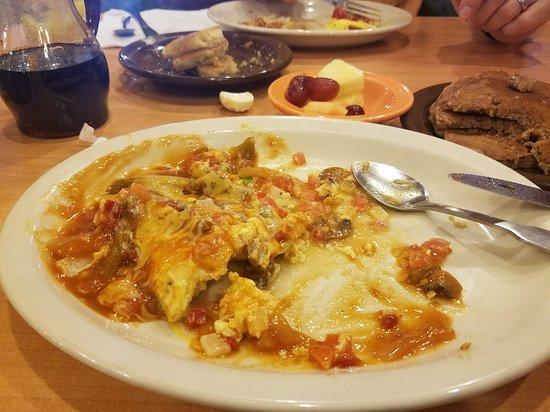 "Brandon, Flórida: Veggie Omelette and ""Free piece of pie"""