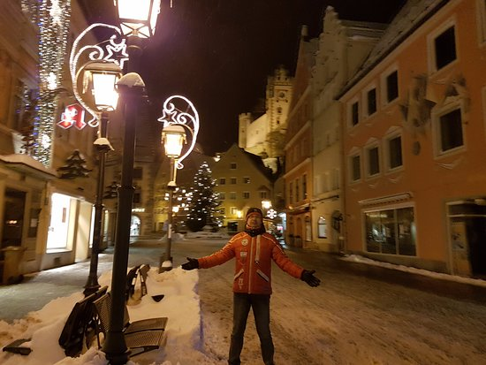 Hotel Schlosskrone: На главной улице Фюсена