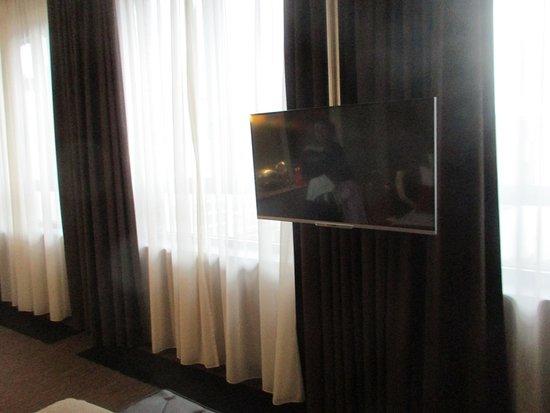 TV aus der Decke - Picture of east Design Hotel Hamburg, Hamburg ...