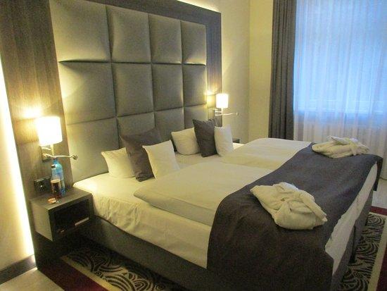 Hotel Chemnitzer Hof: Bett top