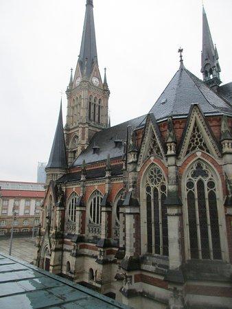 Hotel Chemnitzer Hof: auf Kirche