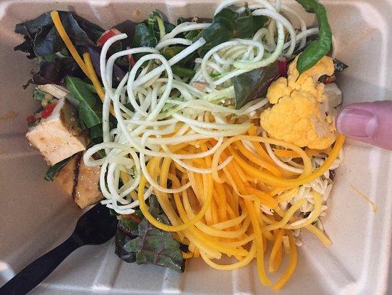 Sugar Land, เท็กซัส: Fresh Zucchini Squash & Cucumber Salad