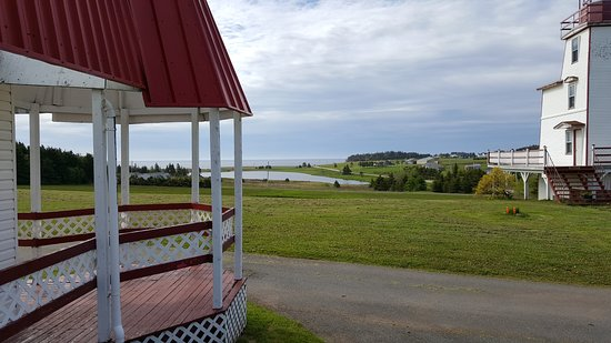 Souris, Canadá: View from the office of the Lighthouse Suite and Sheep Pond Beach