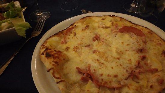 Lure, Frankrig: Pizza Mont d'Or