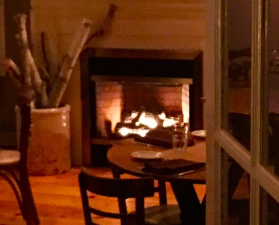 High Falls, NY: cozy spot for dinner on a cold january night.