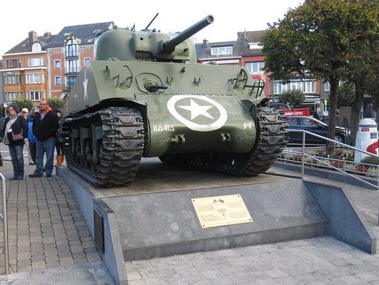 Bastogne, Belgique : McAuliffe Square Sherman tank