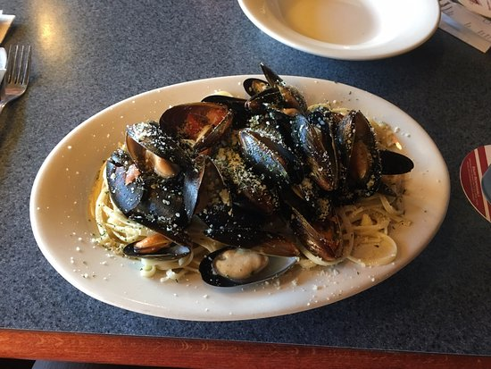 Albany, Nueva Hampshire: Steamed mussels in a garlic / oil sauce