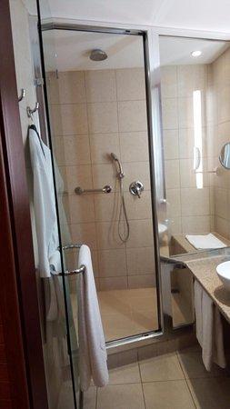 Spata, Grecja: bathroom