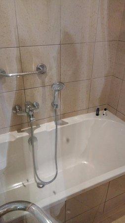 Spata, Grecja: bathtub