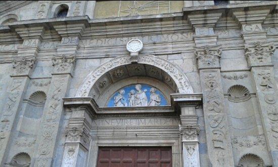 Bolsena, Italy: particolare facciata