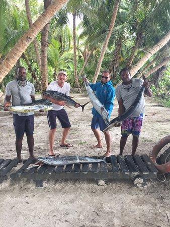 Amitie, Σεϋχέλλες: A Slam of fishing (Dorado, Tuna, 3 Wahoos) from left to right