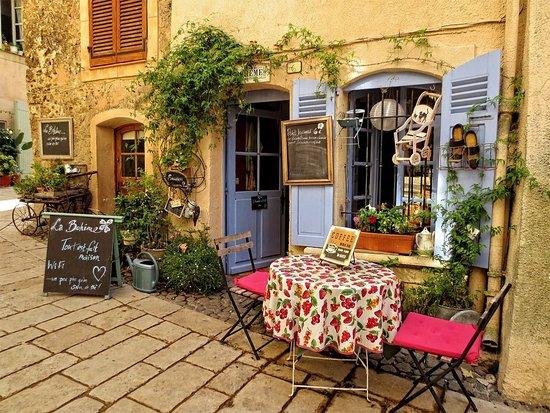 Meilleur photo de le café super mignon à Villecroze