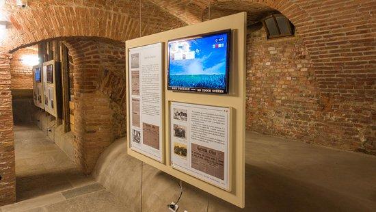 Asti, Italy: pannelli esplicativi della seconda guerra mondiale