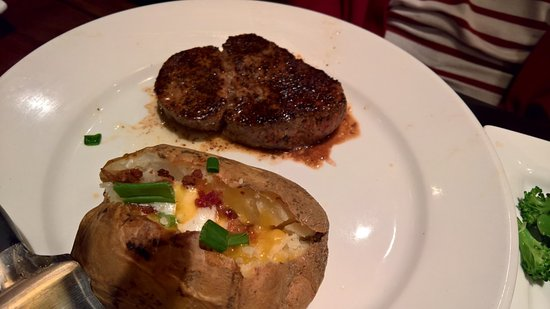 LongHorn Steakhouse: Flo's Steak and Baked Potato