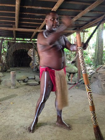 Tjapukai Aboriginal Cultural Park: Didgeridoo demonstration
