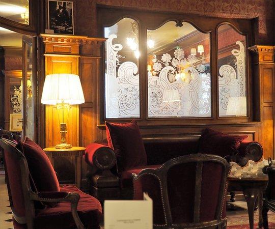 Regina Hotel: Hotel Bar