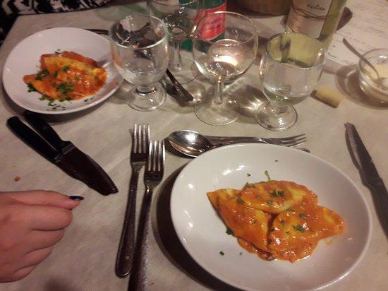 Viagrande, Italia: 20161231_215048_large.jpg