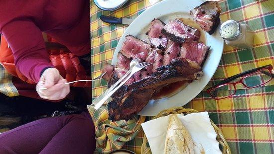 Altopascio, Italia: Trattoria super !!!!! Molto buono l antipasto toscano la zuppa favolosa e una bistecca immensa !