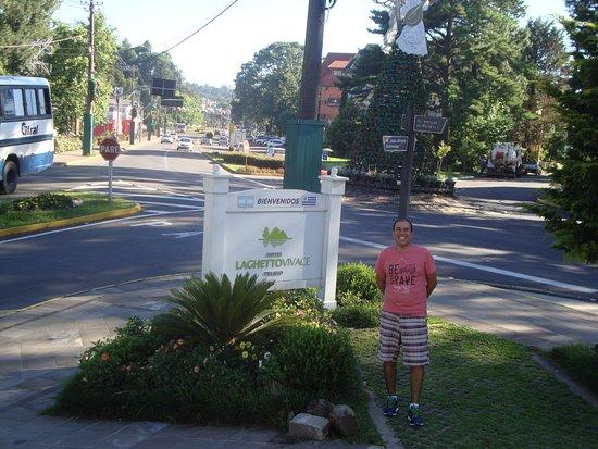 Foto Tirada Do Deck Para A Rua Picture Of Hotel Laghetto Premio