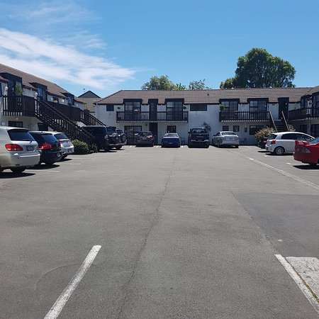 Southern Comfort Motel: easy accessible parking area