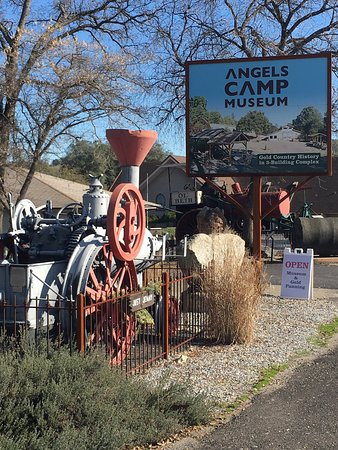 Angels Camp Museum and Carriage House