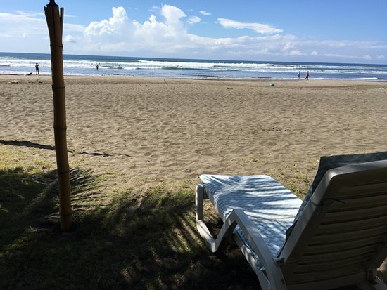 Esterillos Este, Kosta Rika: Comfy lounge chairs