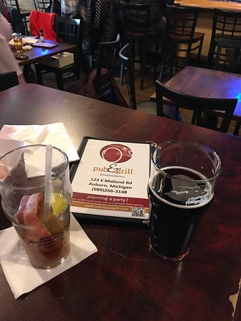 Auburn, MI : Great beer selection and Excellent Bloody Marys on Sunday!