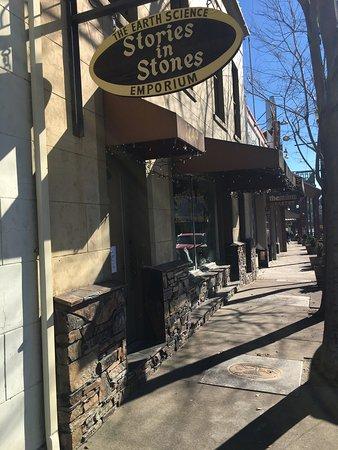 Angels Camp, Kaliforniya: Stories in Stones
