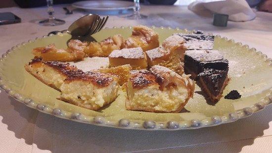 Palaia, Italy: Degustazione di dessert