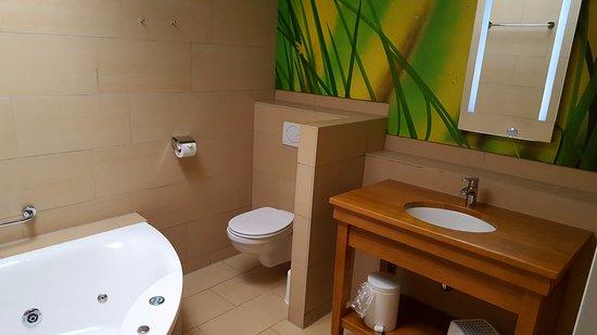 Center Parcs De Kempervennen: Badezimmer