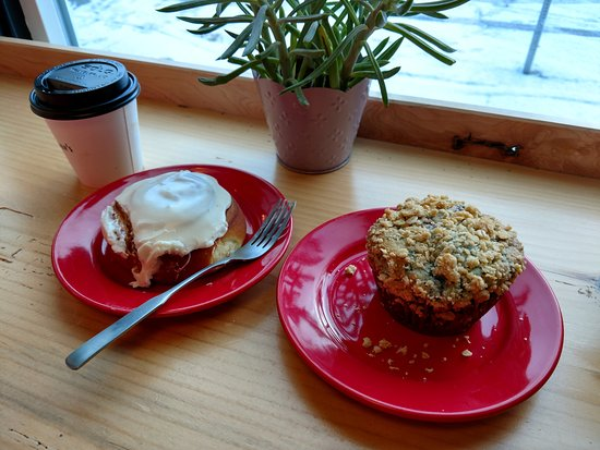 Richmond, VT : Blueberry Muffin, Cinnamon Bun