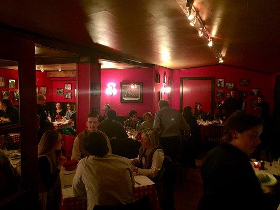 Frankie's Ristorante Italiano: back dining room