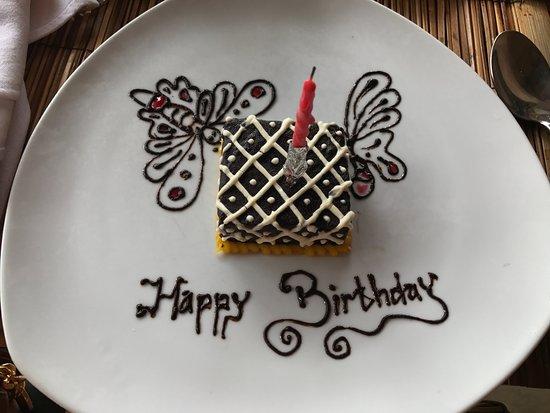 The Purist Villas and Spa: breakfast birthday cake!