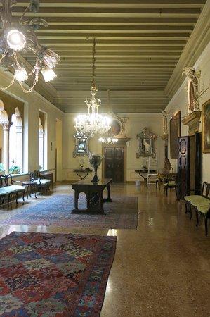Hotel Danieli, A Luxury Collection Hotel: Área interna.