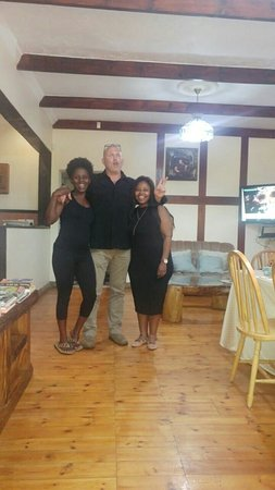 Kempton Park, South Africa: What excellent service and hospitality!!! The food was amazing, I also could not resist buying a