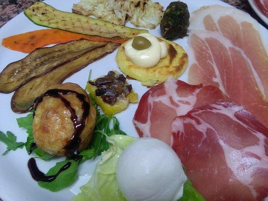 Trentinara, Italia: La Cantina Ristorante Pizzeria Braceria