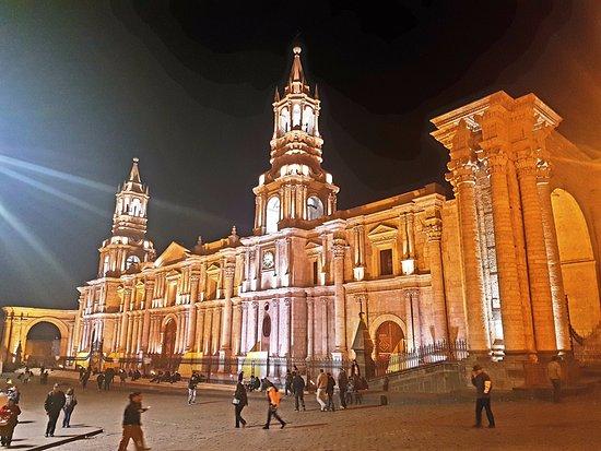Casa Andina Standard Arequipa: Cattedrale di arequipa