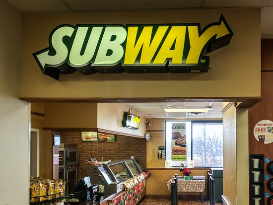 ‪‪Austinburg‬, ‪Ohio‬: Austinburg Subway Entered through Pilot Travel Center‬
