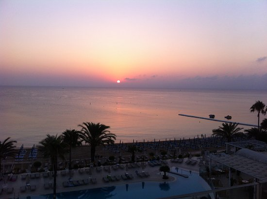 Sunrise Beach Hotel: východ slunce